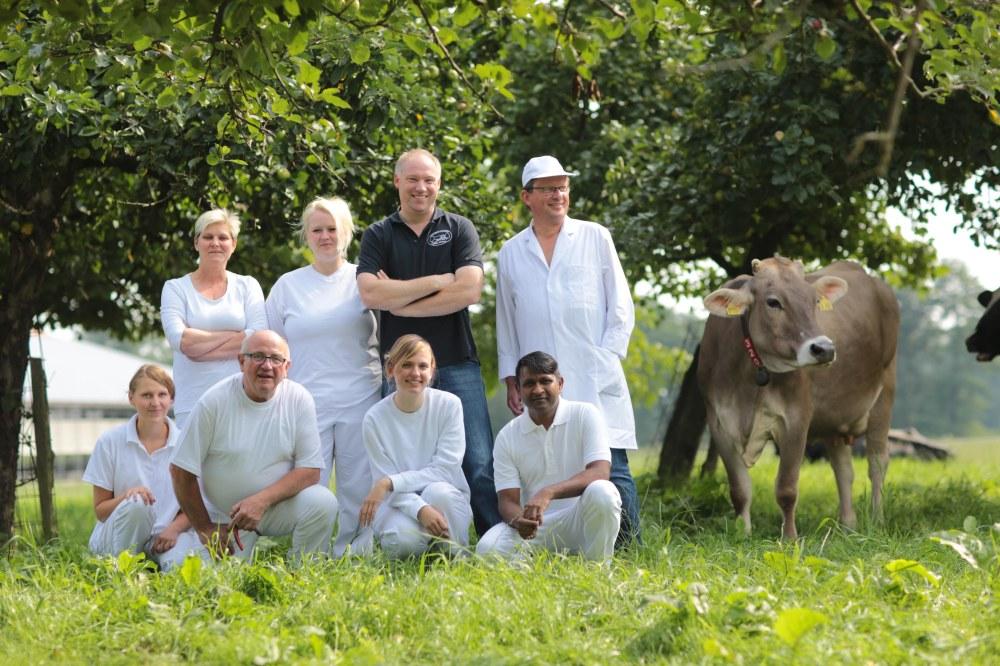 Molkerei-Team mit Leonhard Große Kintrup