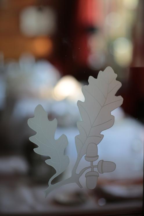 Der Eichenbaum spielt eine zentrale Rolle im Leitbild des Betriebs