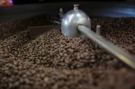 Nach der Röstung muss der Kaffee auskühlen damit er nicht nachröstet