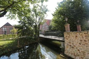 Kleine Brücke über die Gräfte