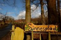 Sinnespfad auf dem Hof der Camphill Werkstätten in Steinfurt