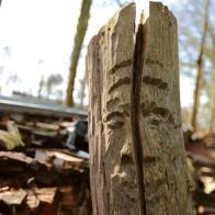 Holzarbeiten auf dem Hof der Camphill Werkstätten
