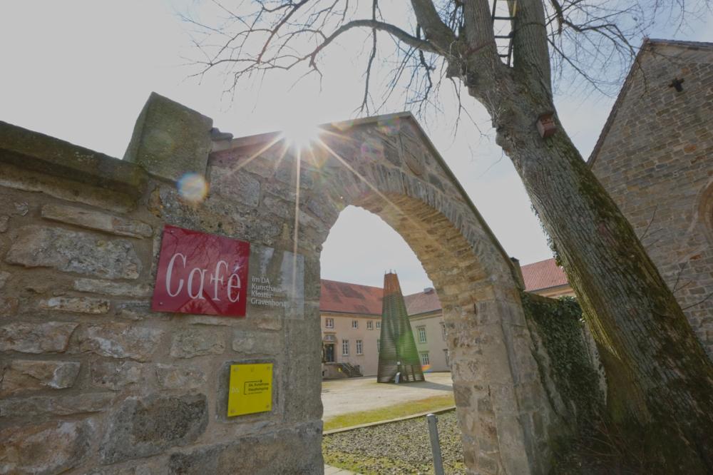Eingang Café im DA