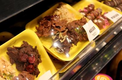Auch Naschereien kommen frisch aus der markteigenen Küche.