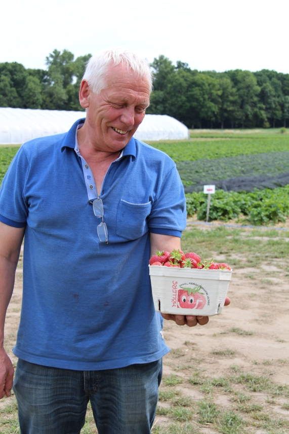 Bei Heiner Möllers kommen täglich Erdbeeren auf den Tisch.