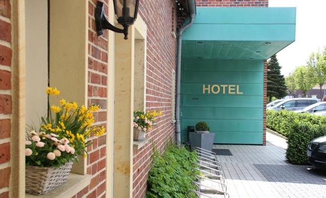 Das Hotel befindet sich direkt neben dem Brauhaus.