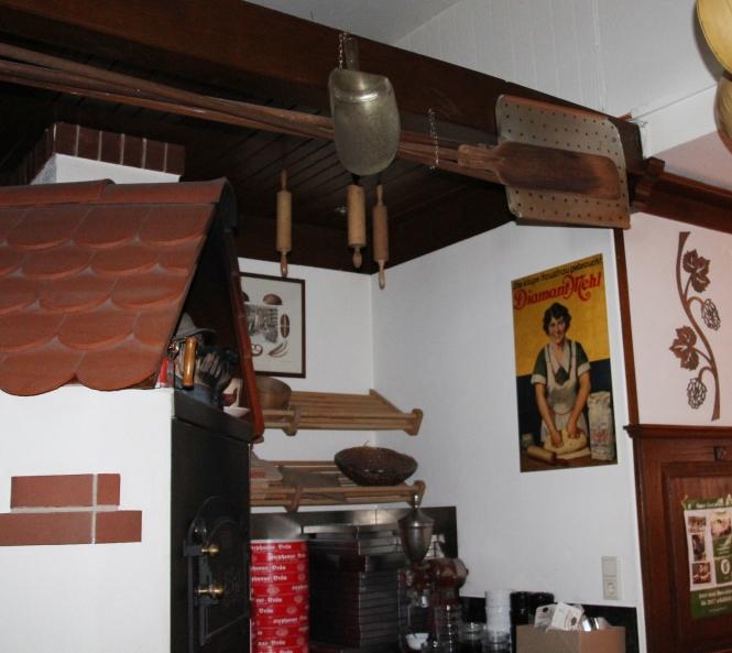 Auch ein alter Holzofen ist Bestandteil der Braustube.