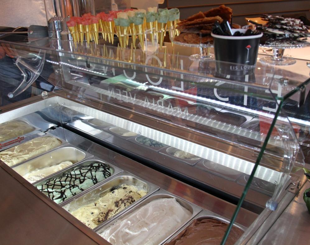 Die Eissorten konnten in Miniwaffeln portioniert werden. So konnte man jede Sorte probieren.