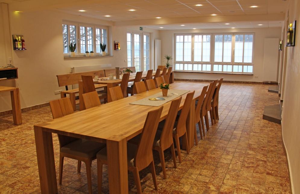 50 Gäste finden im Verkostungssaal bequem Platz.