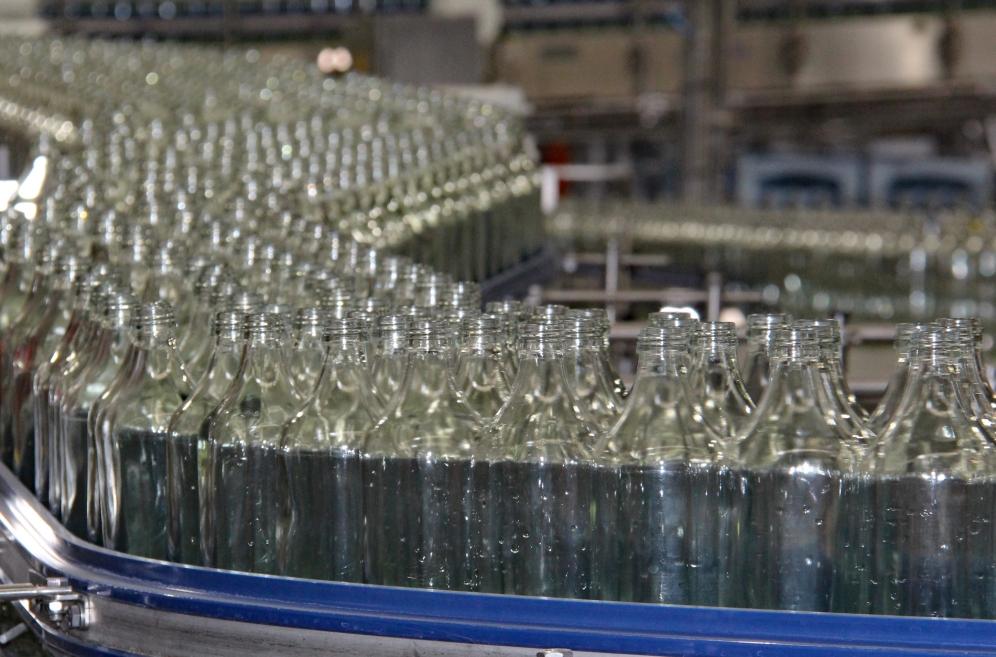Die 2018 neu gebaute Glasabfüllanlage
