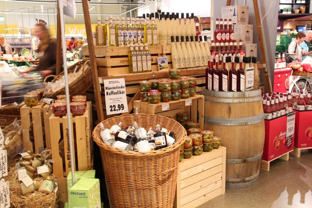 Der Marktkauf Loddenheide hat ein umfangreiches Sortiment regionaler Produkte.