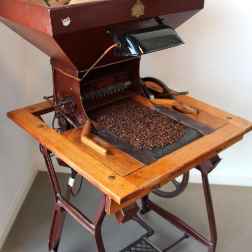 So wurden Kaffeebohnen vor ca. 70 Jahren sortiert.